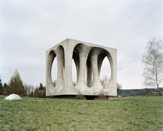 spomenik (2)